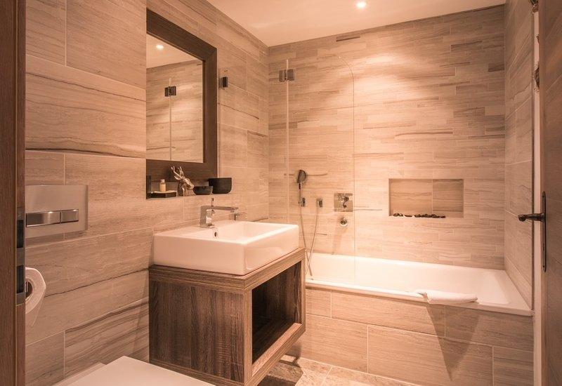 Bergwelt Residence Bathroom