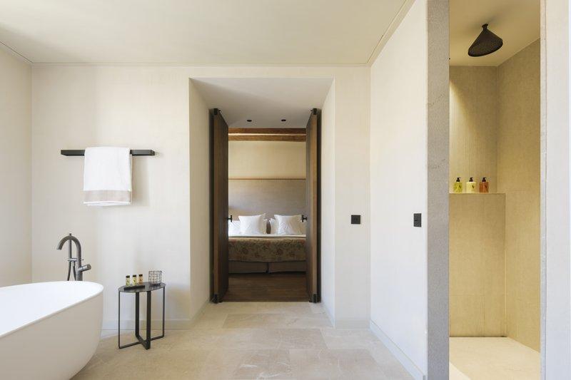 Can Ferrereta Suite Bathroom