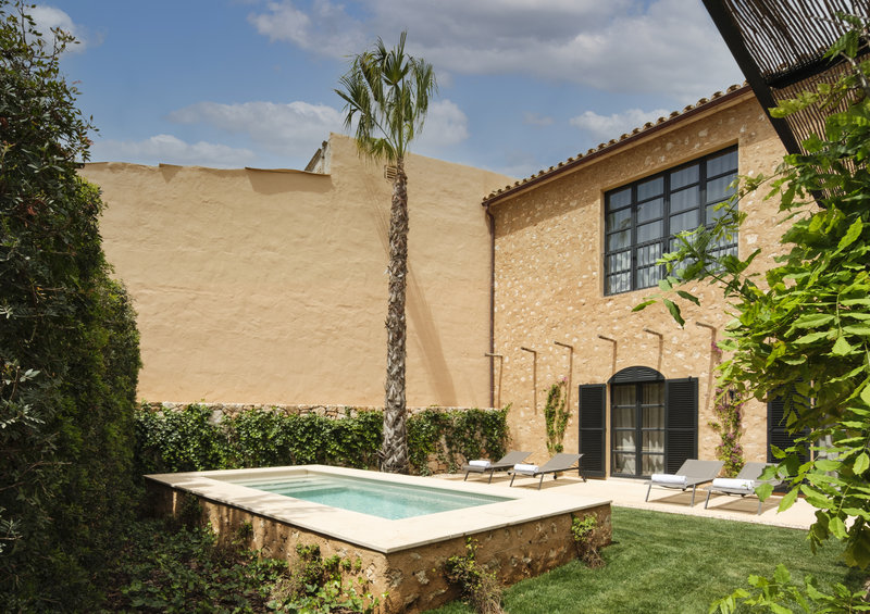 Suite Outdoor Pool