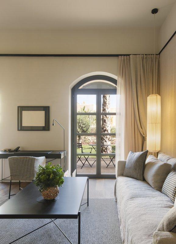 Terrace Suite Living