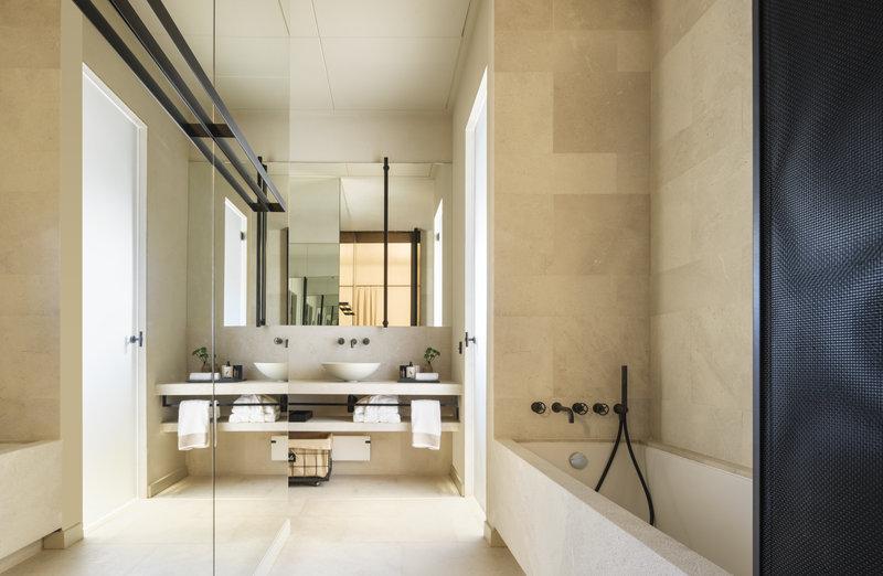 Santanyi Suite Bathroom