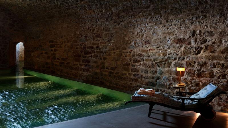 The Bathhouse SPA Roman Bath - Hotel Castello Di Reschio