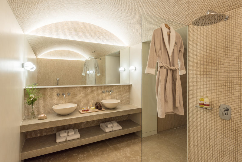 Executive Deluxe Bathroom At Energy Building