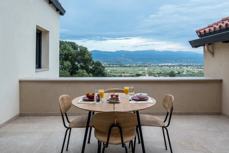 Mystras Suite Balcony With Valley View