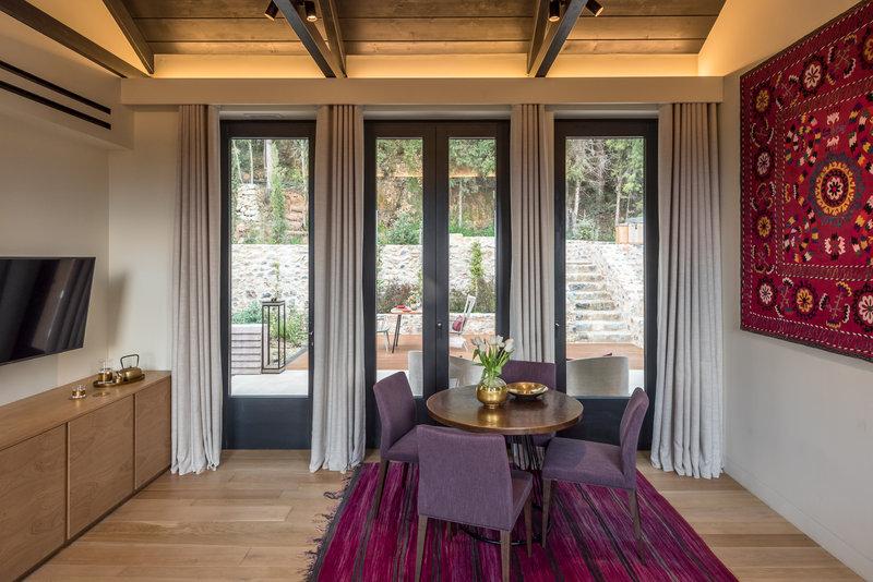 Byzantium Suite Living Room