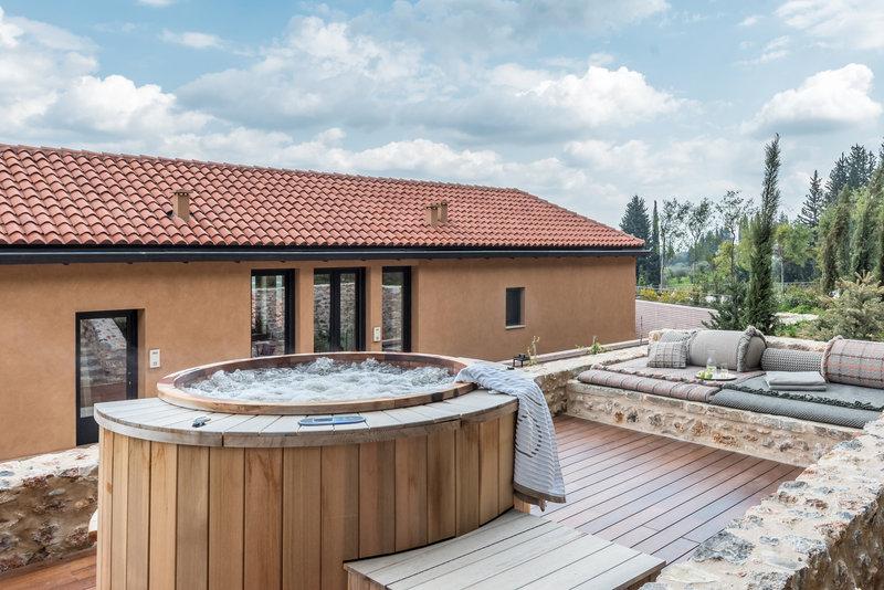 Byzantium Suite California Hot Tub