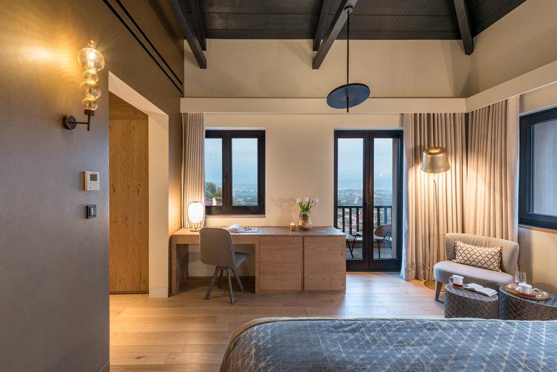 Byzantium Suite Master Room