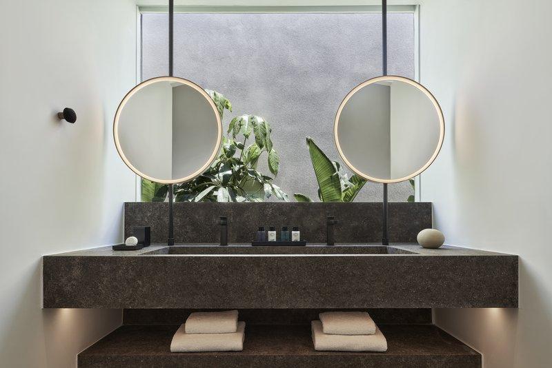 Hideaway Pool Suite Bathroom
