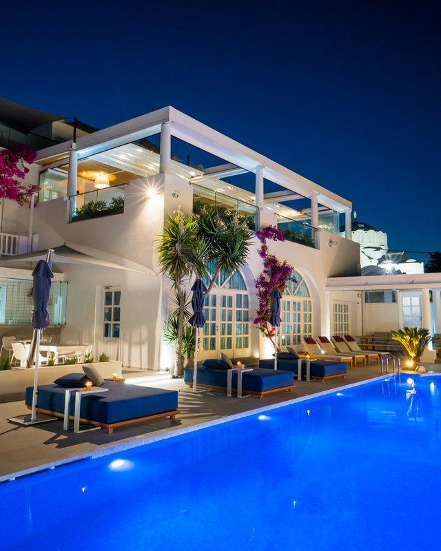 Ifestioni Restaurant & Pool Night View