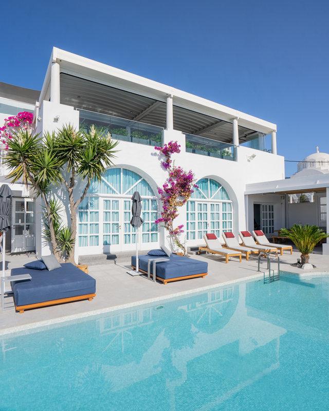 Pool View & Ifestioni restaurant