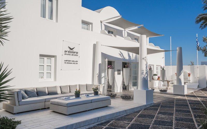 Aressana Hotel Exterior Entrance