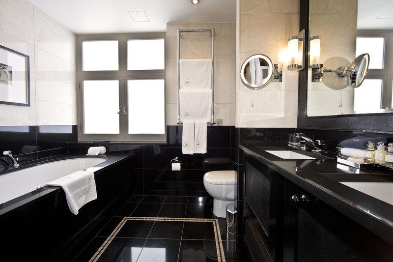 Westminster Suite Bathroom
