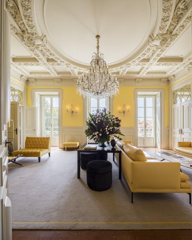 Yellow Room Lounge