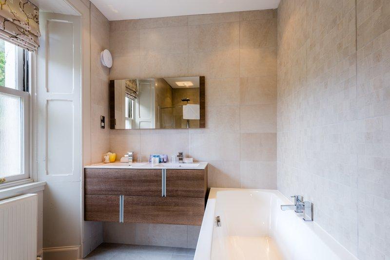 Spa Cottage Bathroom