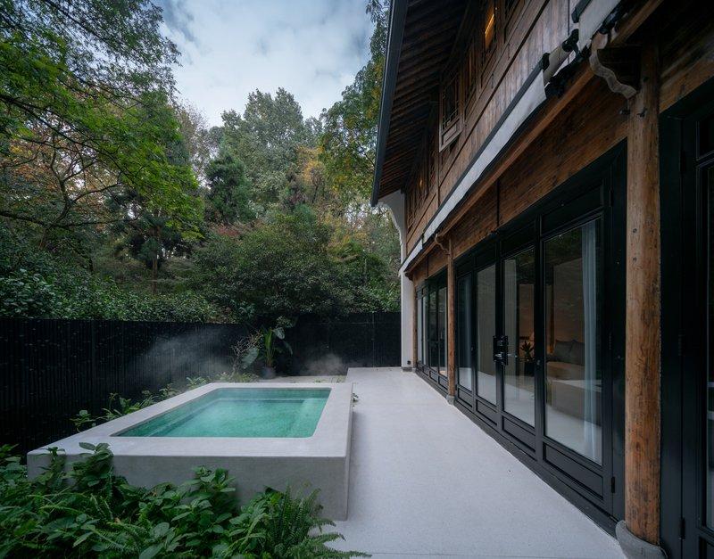 Deluxe Courtyard Room Outdoor Area