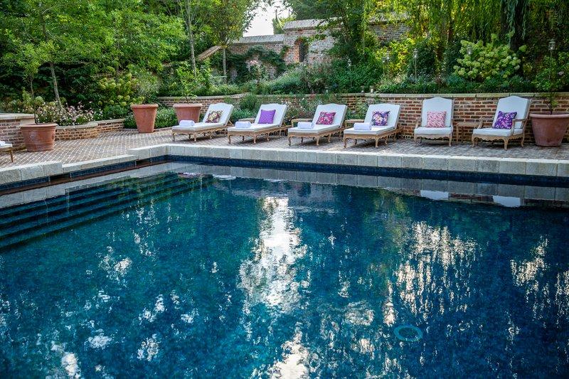 Small Manor swimingpool
