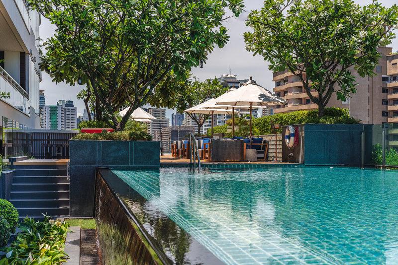 Akyra Pool
