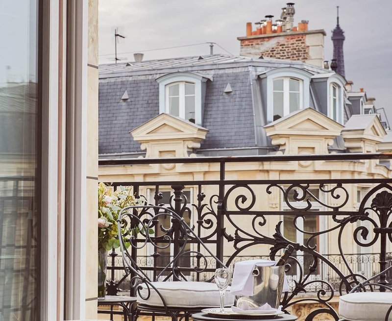 Junior Suite Eiffel Tower View