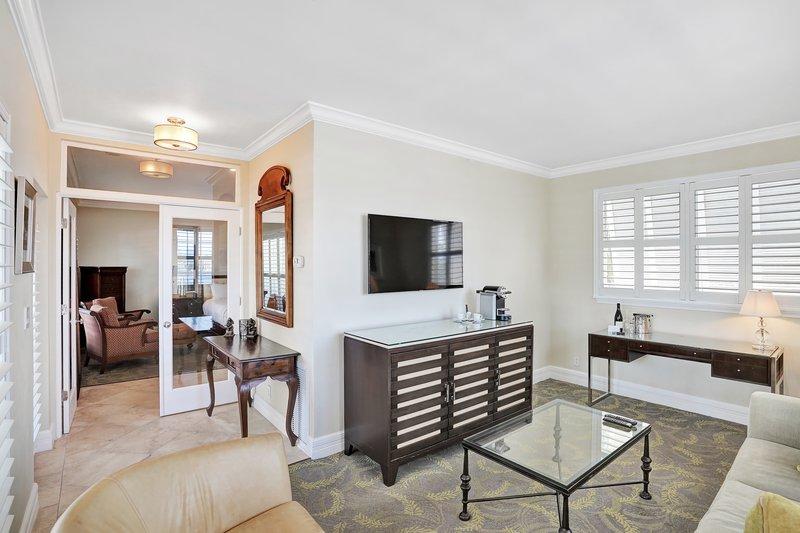 Deluxe Waterside One Bedroom Suite